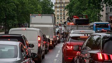 aop pariisi ranska liikenne autoja