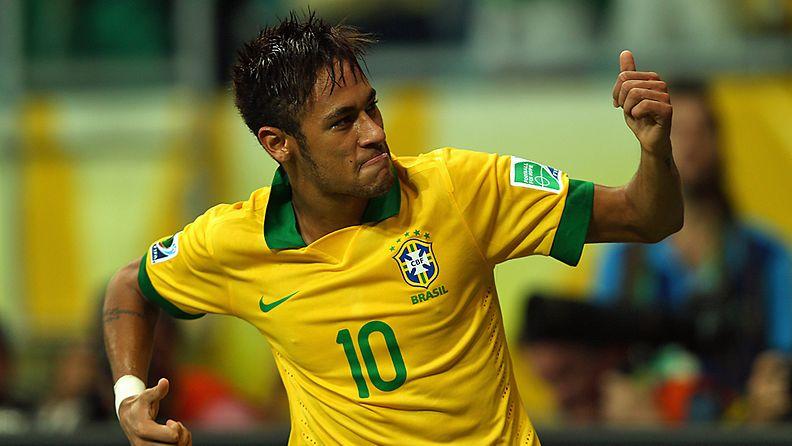 Neymar otti ilon irti maalinsa jälkeen.