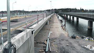 VasVartiokylänlahden ylittävä Raittisilta rakennusvaiheessa marraskuussa 2018.