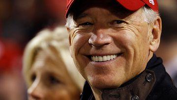 Joe Biden pääsee jälleen heittämään baseball-joukkue Washington Nationalsin aloitussyötön.