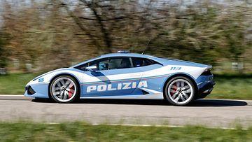 lamborghini poliisiauto poliisi italia