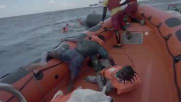 Välimerellä siirtolaisten vene upposi