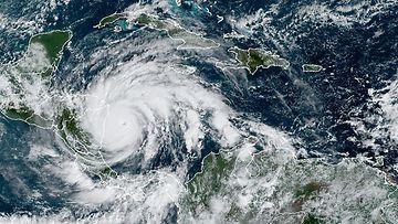LK 1611 Iota, hurrikaani