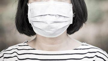 shutterstock koronavirus maski