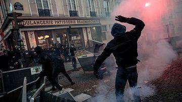 AOP Pariisi mielenosoitus