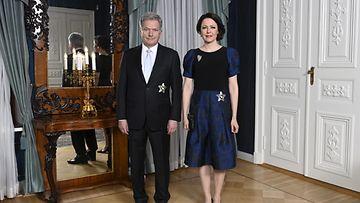 LK Presdentti Sauli Niinistö ja Jenni Haukio itsenäisyyspäivänä Presidentinlinnassa.