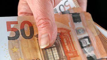 aop palkka raha setelit käsi