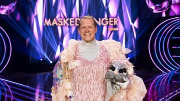 masked_singer_suomi_s2_eps10_jarkko_tamminen_hiirulainen_kuvaaja_saku_tiainen