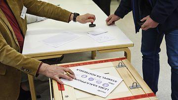 LK 050121 kuntavaalit äänestäminen äänestys