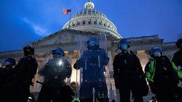 EPA Capitol-kukkula poliisit
