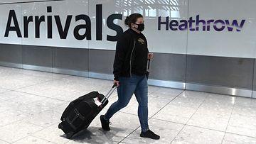 lk 080121 lentokenttä heathrow lontoo