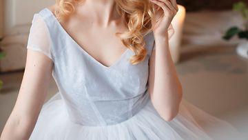 vaaleansininen mekko