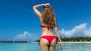 shutterstock nainen bikinit ranta