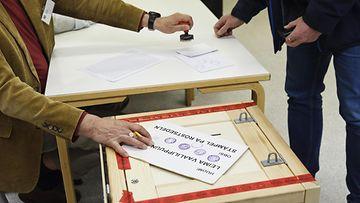 LK 17.1.2021 äänestäminen äänestyskuori