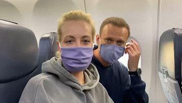 AOP Navalnyi koneessa
