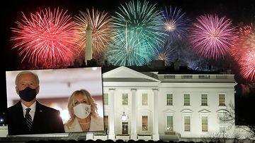 Reuters ilotulitus valkoinen talo kombo