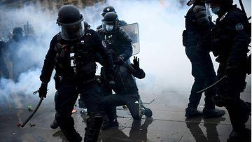 LK 30.1.2021 Ranskan mielenosoitukset