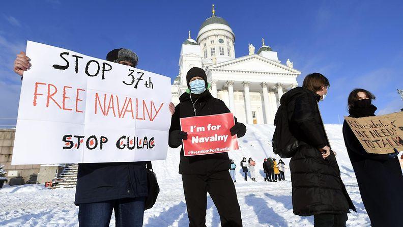 Senaatintorin mielenosoitus Navalnyi