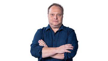 diili_kausi_1_promo_pasi_karjalainen_03_kuvaaja_saku_tiainen