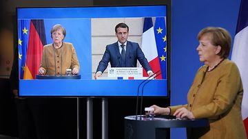 AOP Angela Merkel, Emmanuel Macron 17.56673972