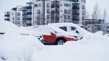 shutterstock pysäköinti parkkipaikka hämeenlinna autoja