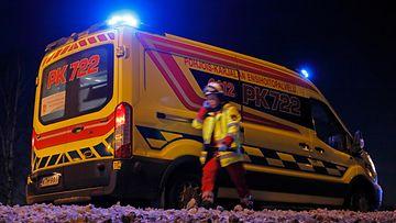 aop ambulanssi onnettomuus kolari hälytysajo