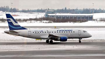 AOP Finnair lentokone lentokenttä Helsinki-Vantaa
