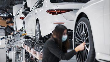 mercedes-benz autotehdas autoteollisuus