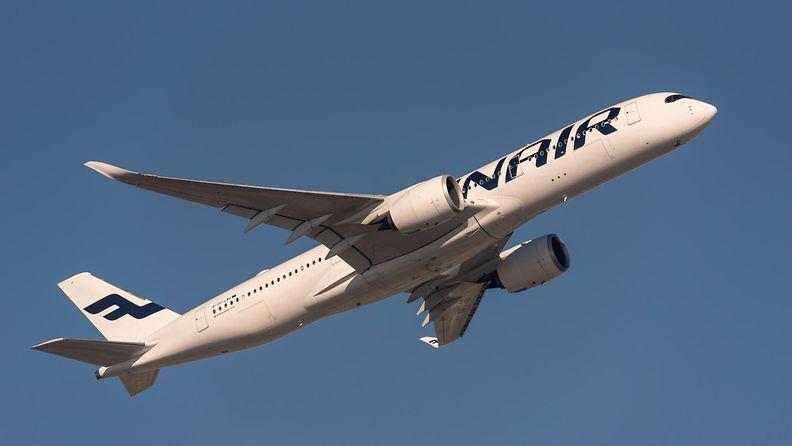 AOP Finnair Airbus A350 Lontoo