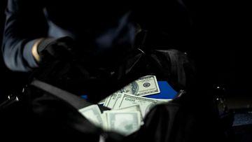 shutterstock rahakassi pankkiryöstö