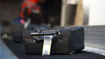 LK 21.3.2021 lentokenttälaukku