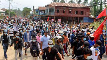 Lehtikuva 27.3.2021 Myanmar mielenosoitus 62243300