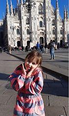 Miljan kanssa Duomon aukiolla.