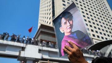 LK 13.4.2021 Myanmar mielenosoitus