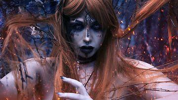 Blackthornin kuvissa yhdistyy erotiikka ja esteettisyys.