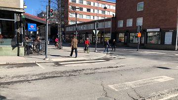 Yksi ihminen kuoli liikenneturmassa Puutarhakadun ja Hämeenpuiston risteysalueella Tampereella 19.4.2021.