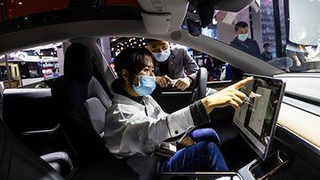 aop tesla model 3 shanghai kiina