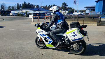 poliisi moottoripyörä mp