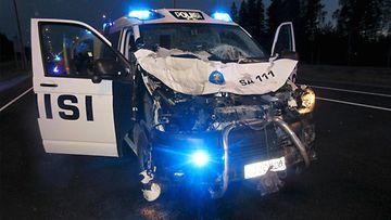 lk 28042021 poliisiauto poliisi hirvikolari kolari