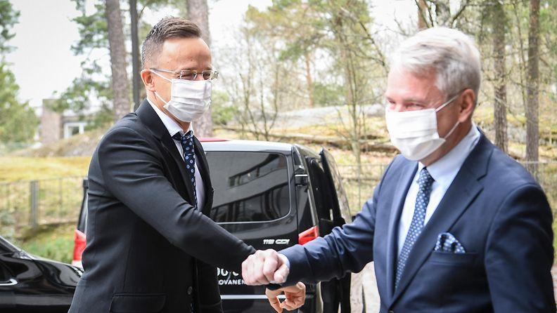 Unkarin ulkoministeri tapasi Pekka Haaviston AOP