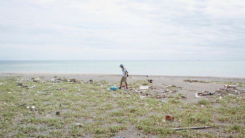 Meren tuomat -elokuva, ranta Japanissa