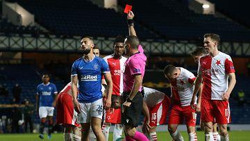 Kemar Roofe sai punaisen kortin Eurooppa-liigan ottelussa Slavia Prahaa vastaan.