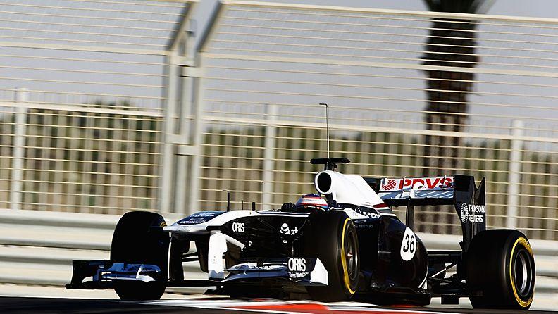 Valtteri Bottas testaamassa Williamsin F1-autoa.