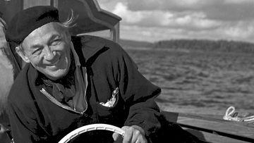 LK 21.5.2021 Alvar Aalto Nemo Propheta in Patria -veneessään 1960-luvulla.