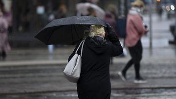 Helsingissä sataa vettä