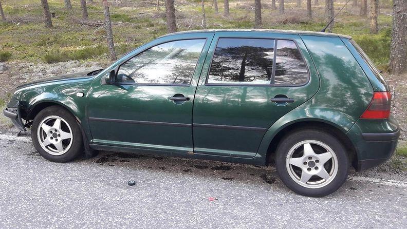 ÄLÄ KÄYTÄ MUISSA JULKAISUISSA! Poliisi kaipaa vinkkejä vihreästä Volkswagenista