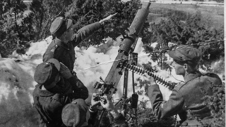 sotilaita-konekivaari