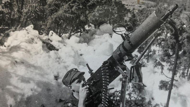 sotilas-konekivaari