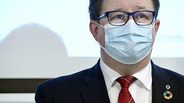 Terveyden ja hyvinvoinnin laitoksen johtaja Mika Salminen.
