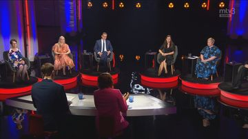 Puoluejohtajat kokoontuivat MTV:n vaalitenttiin toimittajien Jan Andersonin ja Eeva Lehtimäen johdolla.